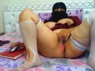 Plump woman xxx Plump hijab woman