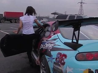 Vidio of teens during car accident Russian models accident on race car