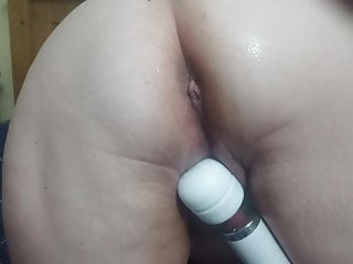 Big messy pussy Wife uses wand on her messy pussy