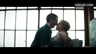 Hot Milf Patricia Arquette having sex with younger guys