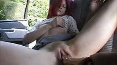 Teenie make a Blowjob in the  Car
