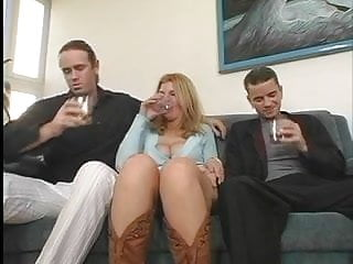 Cowboys porn - Milf susanne with cowboy boots big boob mommies 2