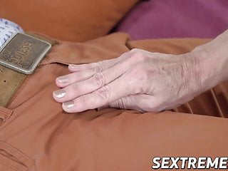 Wet blowjob Kinky mature lady gives wet blowjob and fucks younger man