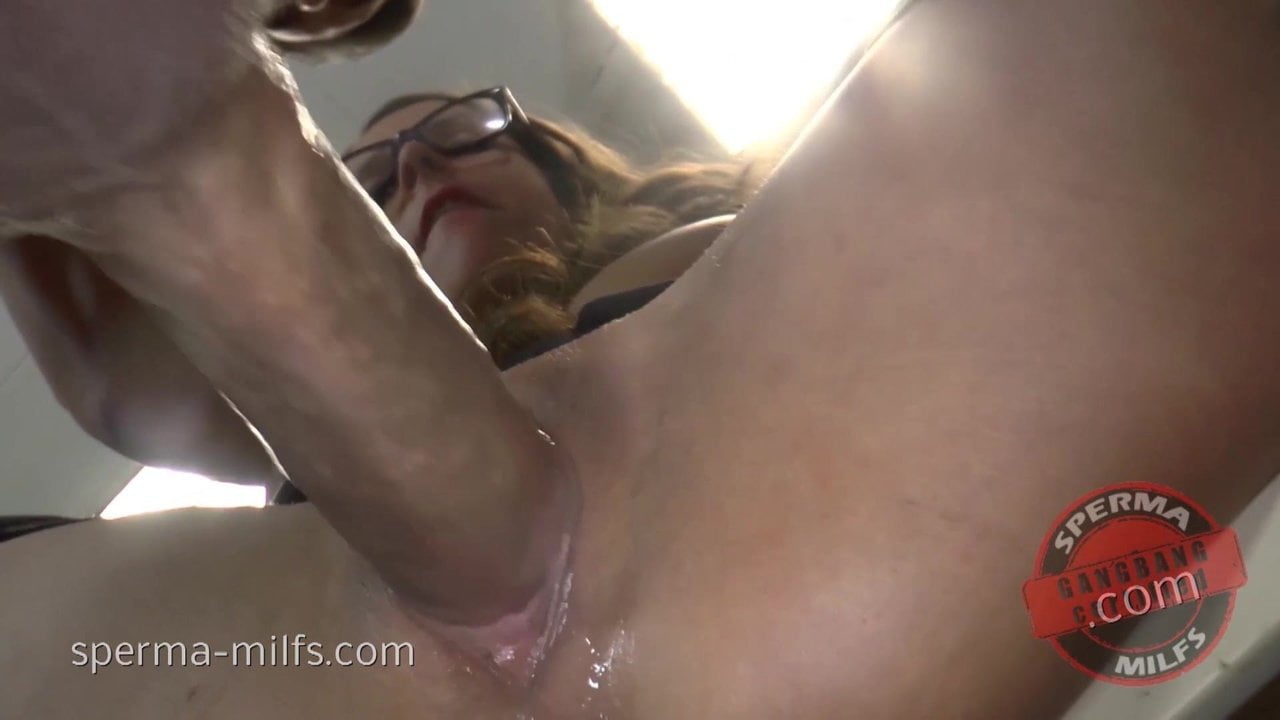 Creampie At The Office For Kinky Sperma-Milf Sexy Susi