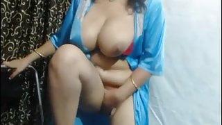 Indian Webcam Model Milking boobs show
