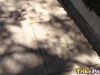 Asian girl suck dog cock video - Trikepatrol filipina takes dog walking break to suck cock