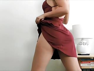 Young and sexy dancing Very sexy booty dance young jeezys put on