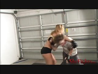 Sex mixed fight - Mixed fight: julie vs skinny white guy - helpless boy