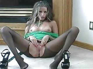 Amateurhomevideos stockings nylons pantyhose Hot pantyhose tease makes him cum on her feet