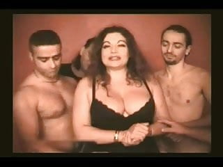 Chubby men galleries - Jesscia rizzo. chubby italian woman having fun with 4 men