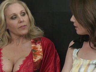 Sarah palin eats pussy Lesbian landlord julia ann sarah shevon