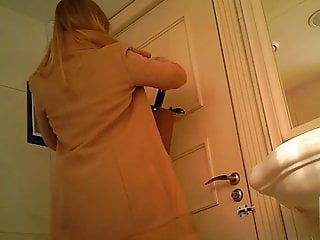 Fake nude jenna fischer Helene fischer - toilet spy cam
