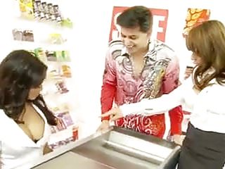 Bbw uk porn stars - Uk star store emploee helps out customers