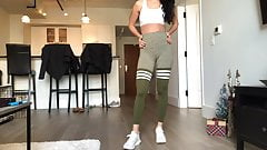 She agree with Cameltoe Leggings Skinny Ass  (stupid dog)