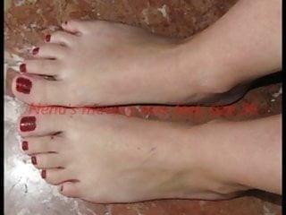 Movies of small sexy feet - Nenas small sexy feet ready for footjob