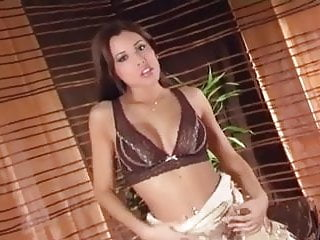 Hollywood glamour lingerie - Glamour babe in lingerie teases and masturbates