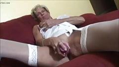 Hot Granny Play Fun With Dildo - CoViD-88