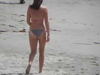 Bikini eyelet juicy Teen juicy ass in the beach