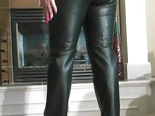 Vidos of hot milfs in leather - Hot babe bj in leather pants and heels