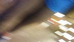 tetas de pendeja venezolana en el mall de chile