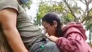 Asian lover Blowjob And Fucking In public park