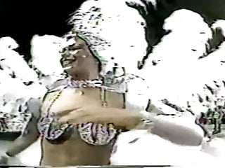 Santa cruz guitar company sexual harassment Santa cruz 1985