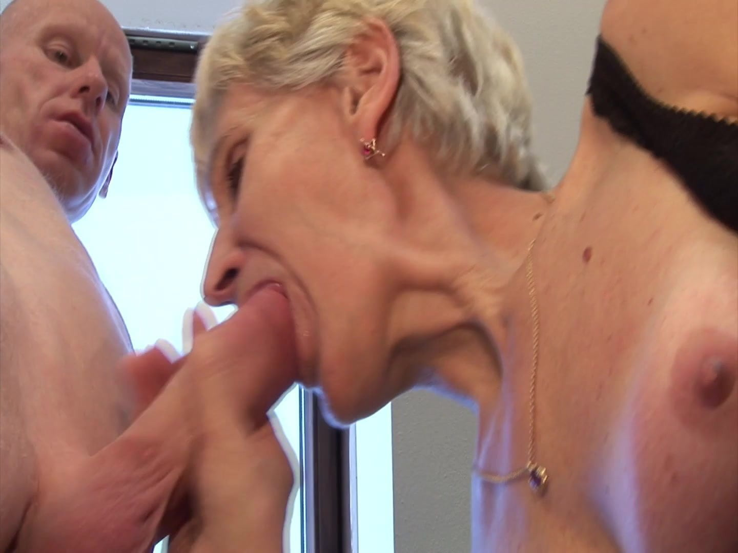 Sex galery pics with granny caught
