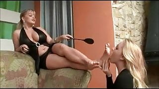mature mistress use young lesbian feet slave