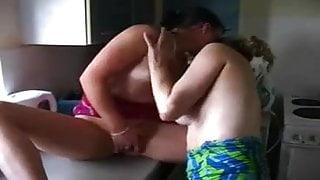 playing amateur  lesbians