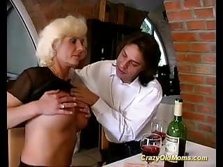 Her first anal sex com German mom enjoys her first anal sex