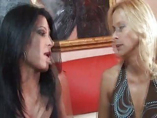 Mature kissing girl Mature lesbians