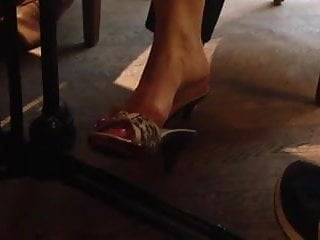 Milf dangle Candid milf feet dangling shoeplay 1