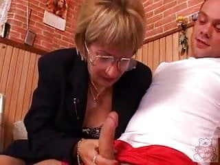 Mothers and sons having sex - Mature mother and the sons friend have a good time on kitchen.