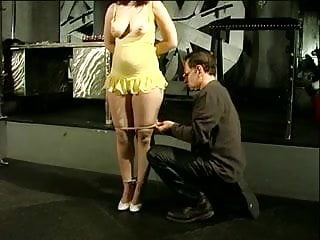 5 cloths pins on her tits - Big tits hottie in yellow dress bound and has her tits covered with clothes pegs