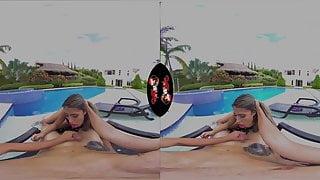 VRLatina Thriller in the Villa with Fernanda Ventura