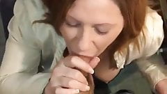 Verheiratete Mutter von 4 Kindern lutscht meinen Schwanz