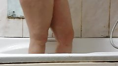 Romanian step son saw step mom pussy in the bathroom before