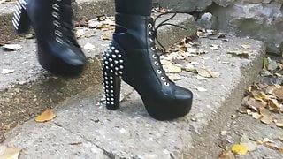 Lady L walking stud sexy boots(down)