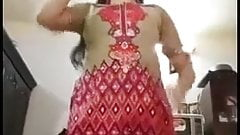 Hyderabad north aunty stripping for lover