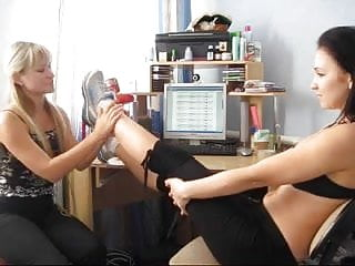 Smell mature womens feet Smell and lick my feet