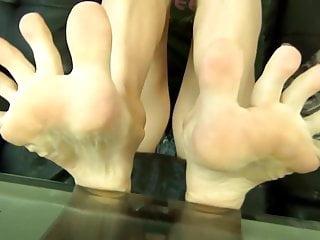 Scrunch bikinis - Orias toe scrunch - beautiful blonde feet video