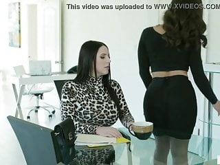Secretary forced fuck Lesbian boss force secrtry for fuck