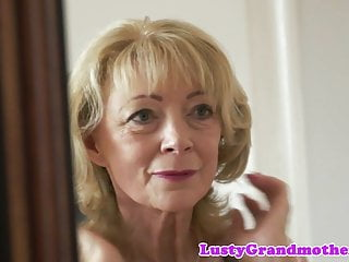Traney sucking dick - Cum loving granny enjoys sucking dick