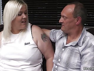 Fat lick pussy - Fat-ass blonde plumper rides cock after pussy licking