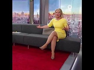Mature milf links Geile schenkel:susan link solo im engen kleid und high heels