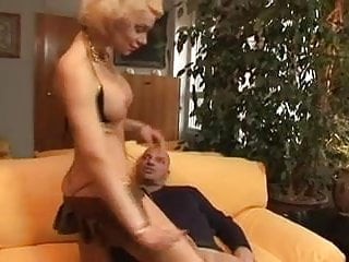 Women like shaved scrotums - Alle nostre donne piace duro our women like it hard