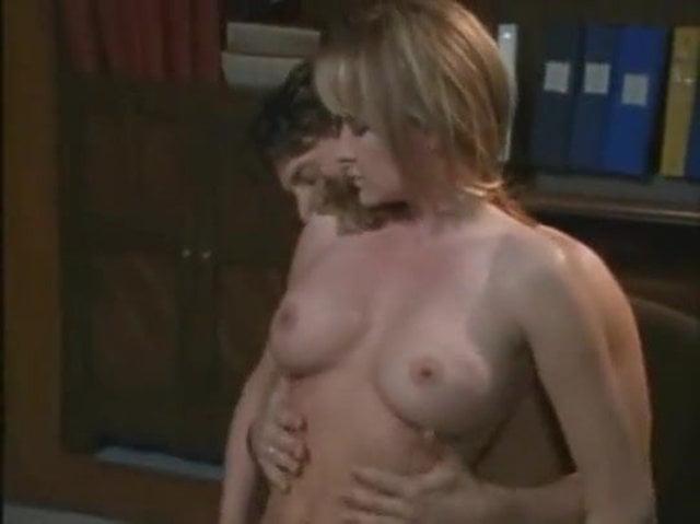 Julia Kruis Porn
