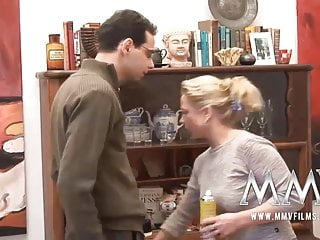 Free milf cumshot film Mmv films german milf gets cum on her tits