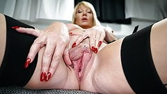 Old mature getting her pussy pounded deep