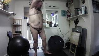 DavieBear workout nude2